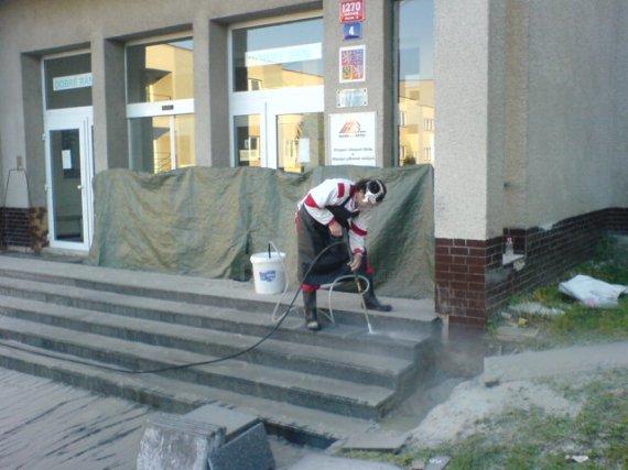Pískování schodů SOU